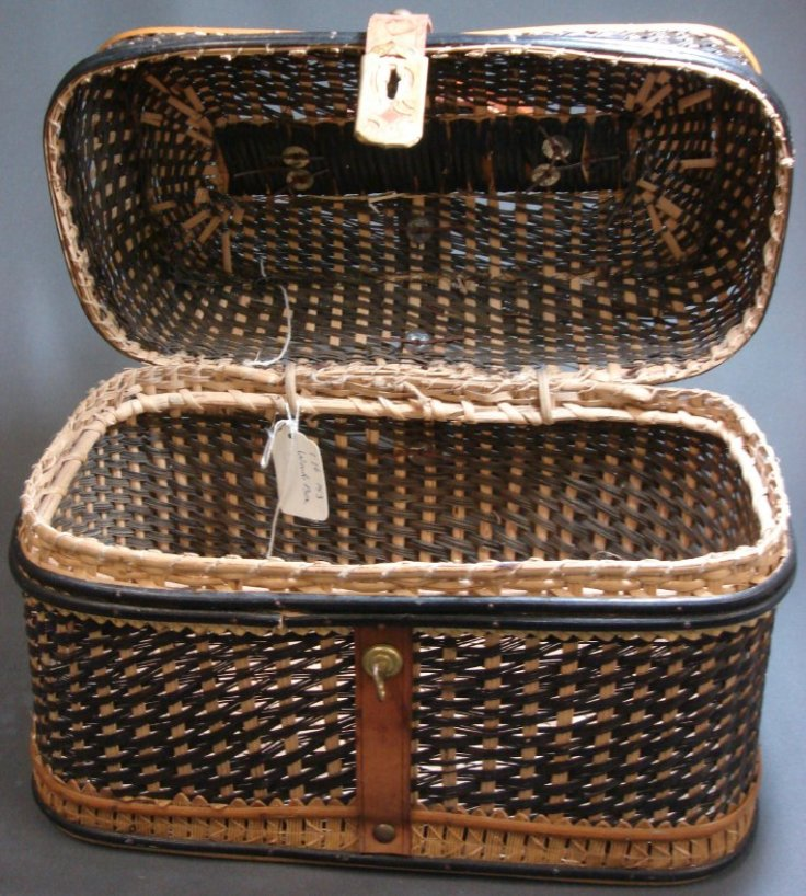 4) Example of a masterfully crafted basket in our collection, which you could easily imagine full of picnic food.jpg